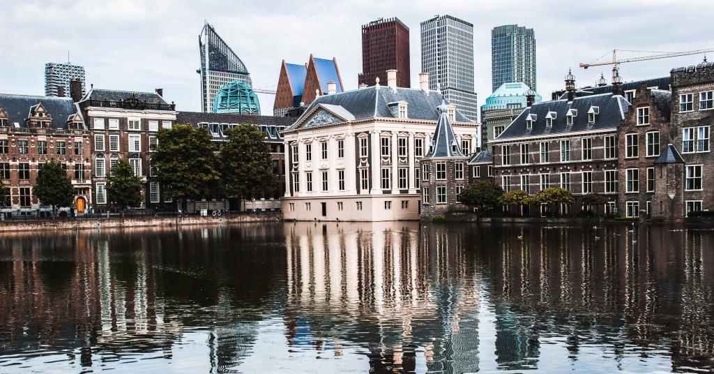 Den Haag naar het endometriose centrum